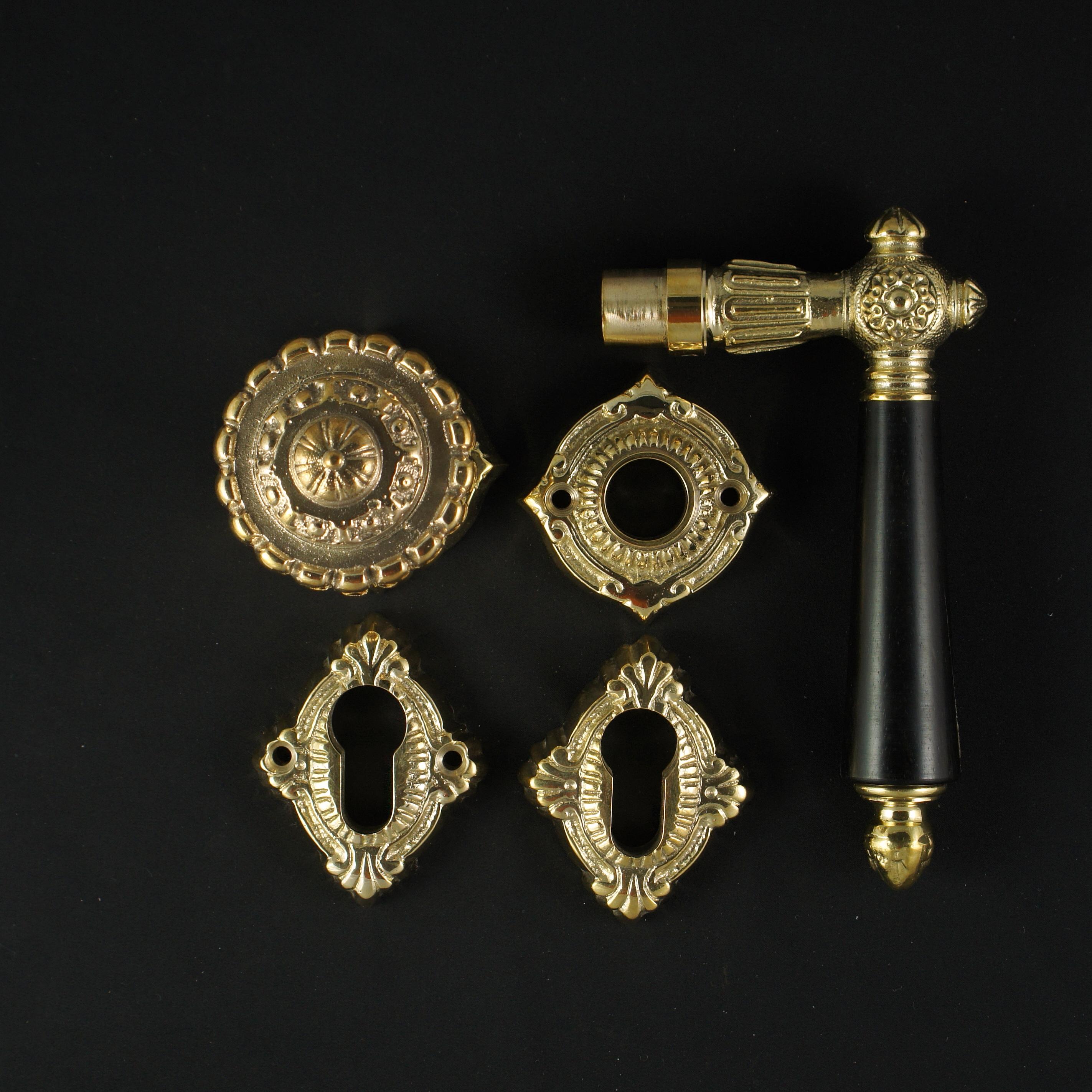 Eingangstür Rosettengarnitur Gründerzeitstil - antike Türdrücker, Türklinken, Türbeschläge